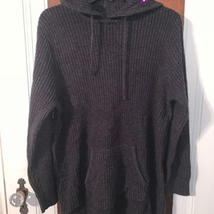 Sweaters - Oversized knit sweater with hood